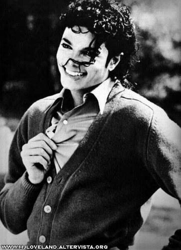 http://1.bp.blogspot.com/_RzUdxet2y8M/THr-zDNoSBI/AAAAAAAAAjI/yEfjuaAwDKY/s1600/1-005-005927_4-Michael-Jackson.jpg