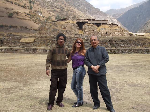 Humberto Pinedo con sus amigos Johnny Barbieri y Nora Alarcón en ...