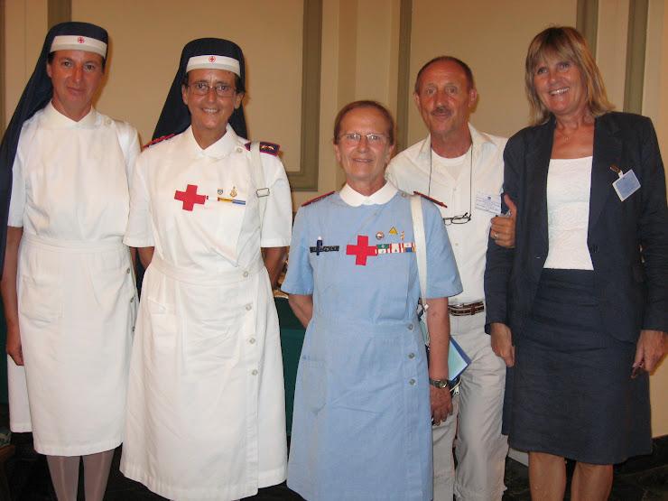 Merzario di ACR con le crecerossine della 31a tavola rotonda di sanremo 4/6 sett. 2008