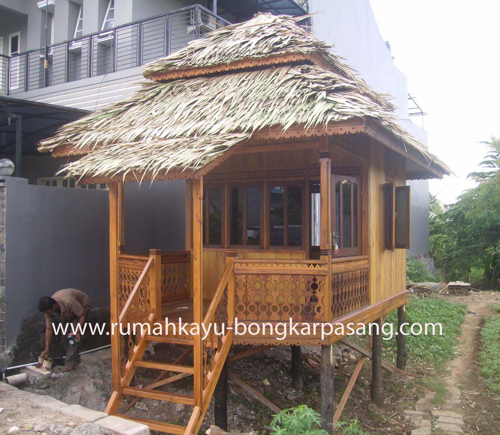rumah dinding kayu