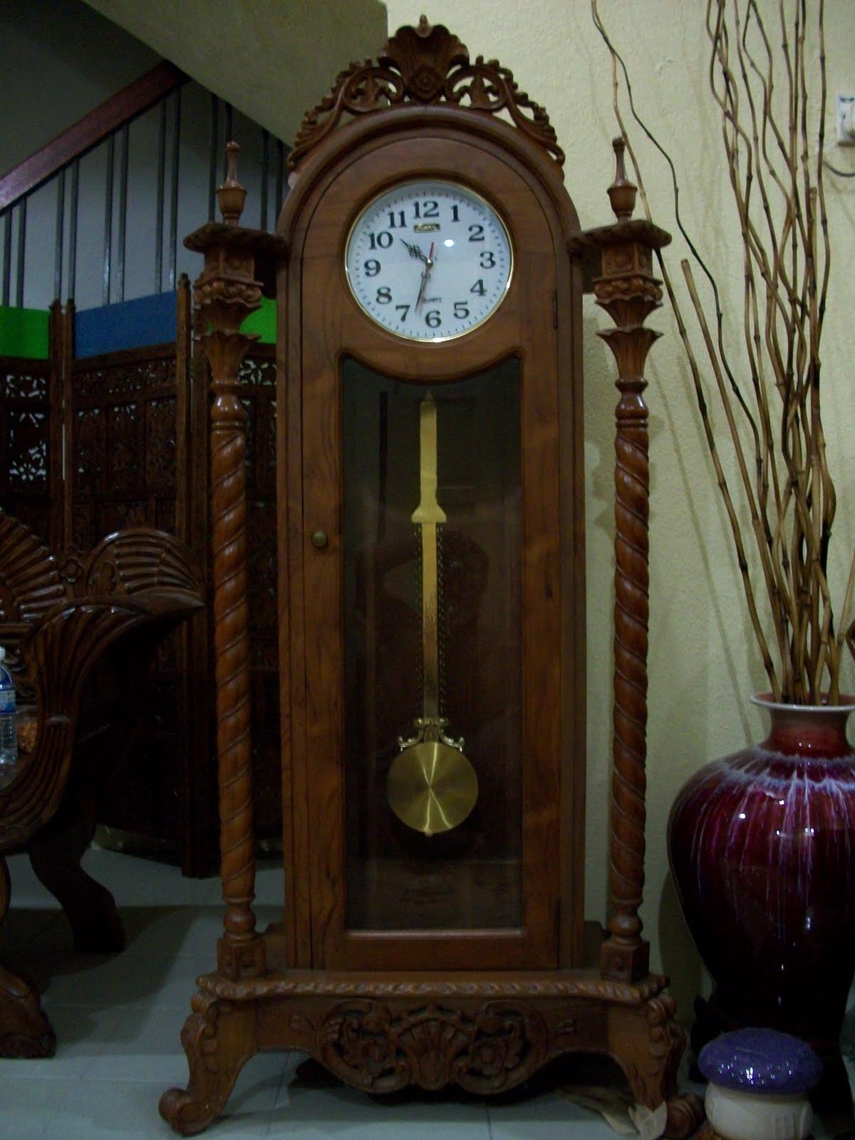 Collectible Items Pre Owned Teak Wood Clock Jam Kayu Jati