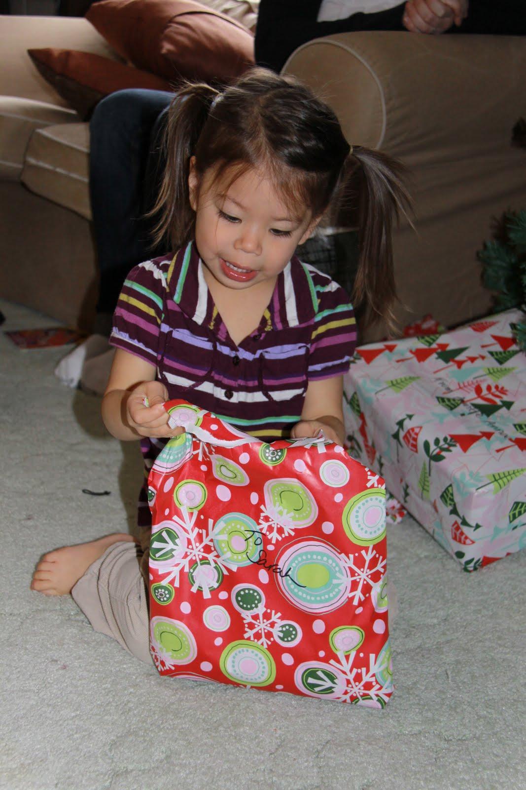 http://1.bp.blogspot.com/_S1F5UepB4qk/TRaoeRCDHYI/AAAAAAAAEmk/mx1o5vWdw2Y/s1600/Christmas%2BEve%2B001.JPG
