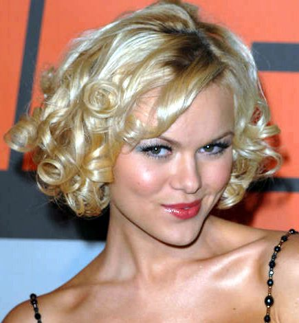 2009 Hairstyle Trend: Curly Bob Hairstyles
