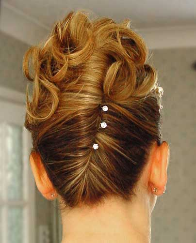 hairstyles including flow downs and updos when considering accessories