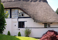 Real if hobbit-like cottage in Kenilworth