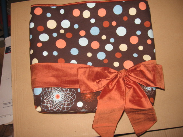 Orange spiro dots large bow tote