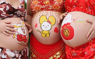Pregnant Women Body Painting