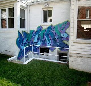 Making Graffiti On The Walls