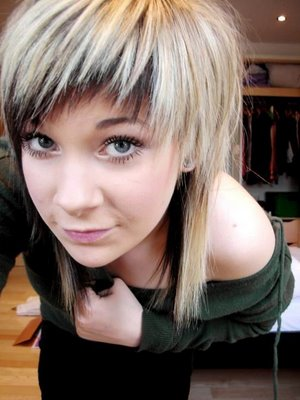 Layered Bang Hairstyles. Trendy Short Layered Hairstyle
