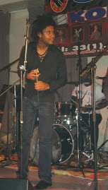 gregory LAZARE chanteur du groupe ORIGINAL H au florida palace (BAZE CREOLE EVENEMENT)