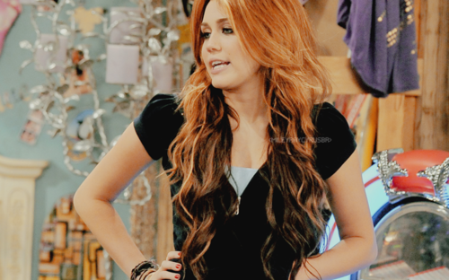 Miley Cyrus Quiere Demandar Al Blogger Que Colg Su Falsa Foto