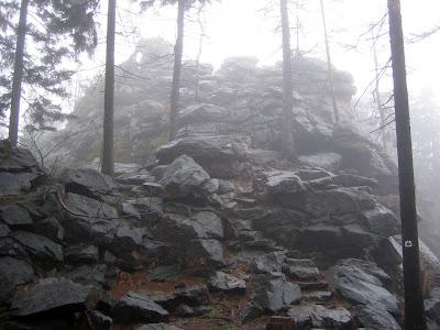 Devět skal 836 m