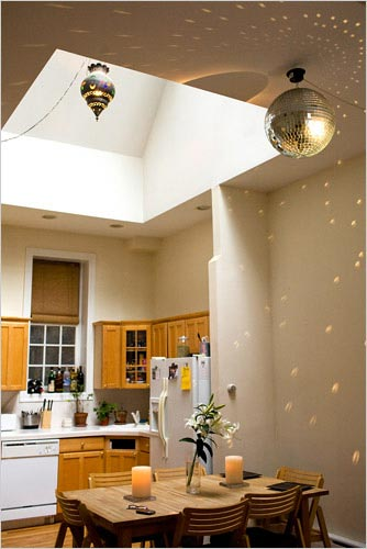 Owls And Bloom Light Reflections - Disco lights for bedroom