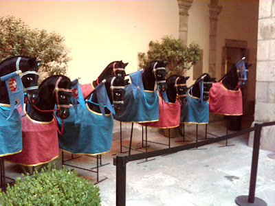 Horse models on display in the Institute of Culture on Las Ramblas - BarcelonaSights