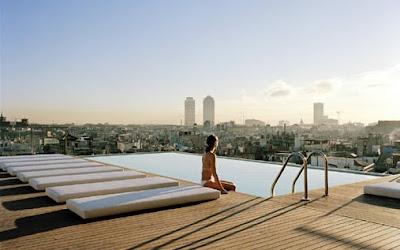 Gran Hotel Rooftop Bar - BarcelonaSights