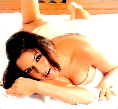 Neha Dhupia Hot Pictures