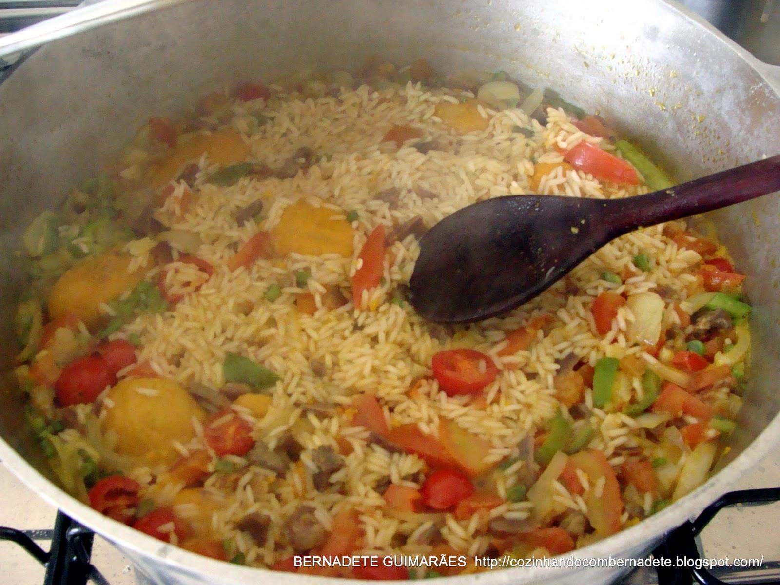 Cozinhando com Bernadete: ARROZ COM PEQUI E CARNE DE SOL #B24319 1600 1200