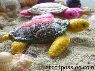 Turtle Pincushion  Greeny &#038; Pinky