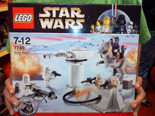 Star Wars Lego set 7749 Echo Base - starwarslegocollectables.blogspot.com
