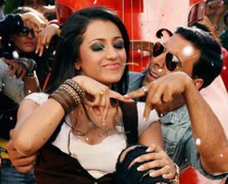 Tamil actress Hot Cleavage and boobs trisha, preethi ...