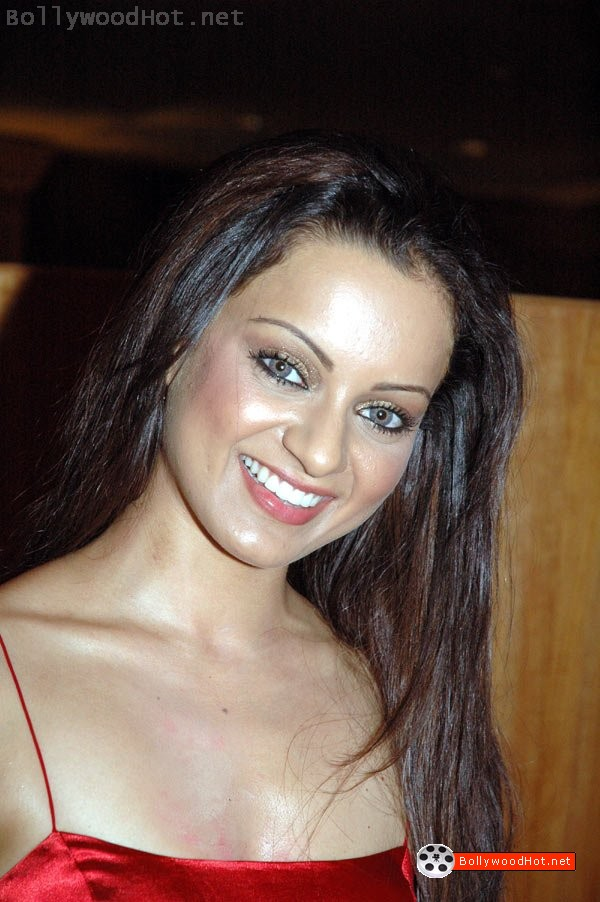 [sexy-girl-kangna-ranaut-bollywood-hot-actress6.jpg]