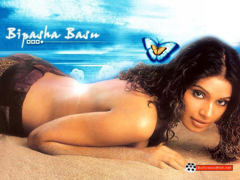 [bipasha-basu-bollywood-hot-actress-sexy-girl8.jpg]