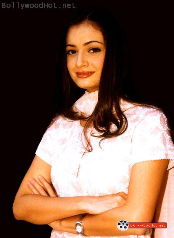 [sexy-hot-girl-diya-mirza-bollywood-hot-actress3.jpg]