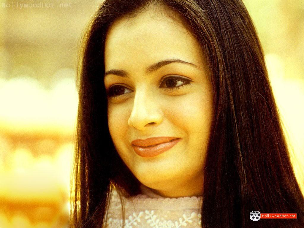 [sexy-hot-girl-diya-mirza-bollywood-hot-actress4.jpg]