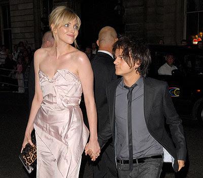 Girl dating a guy shorter than her