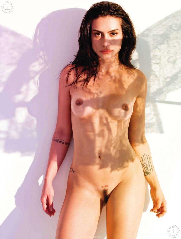 http://1.bp.blogspot.com/_SGPJp3vP7eY/TRzeCX0xhNI/AAAAAAAACKk/KoFp5XoC3w4/s1600/tattoo%2Bpiece%2Barm%2Bhot%2Bsexy%2Bnude%2Bplayboy%2BCleo%2BPires.jpg