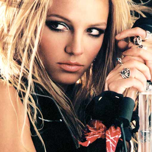 HOT или NOT - Page 2 Britney_Spears_3_-_new_promo_2004_-_lg.6535786