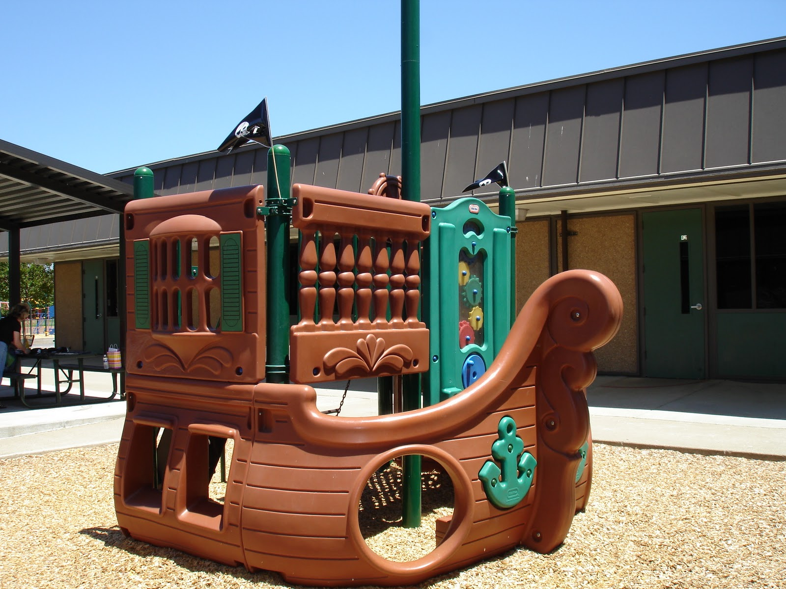 Outdoor Playhouse And Pirate Ship 112