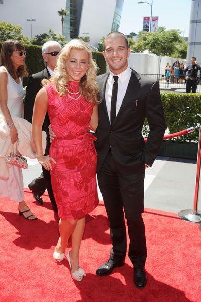mark ballas and chelsie hightower dating 2010