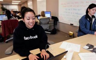 Facebook está de cacería y su presa son los empleados de Google