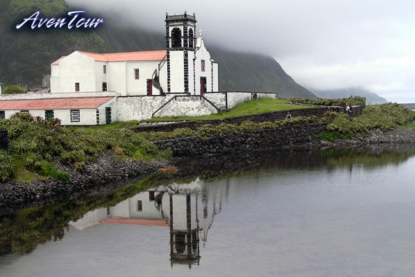 Church of Santo Cristo, Faj da Caldeira, Ribeira Seca (there is something magical about this pic)