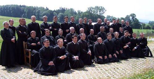 http://1.bp.blogspot.com/_SL5T42MdGWE/TNnTnc8w8dI/AAAAAAAACe0/-Xdo4D1CwUM/s1600/FSSPCapitolo2006.jpg