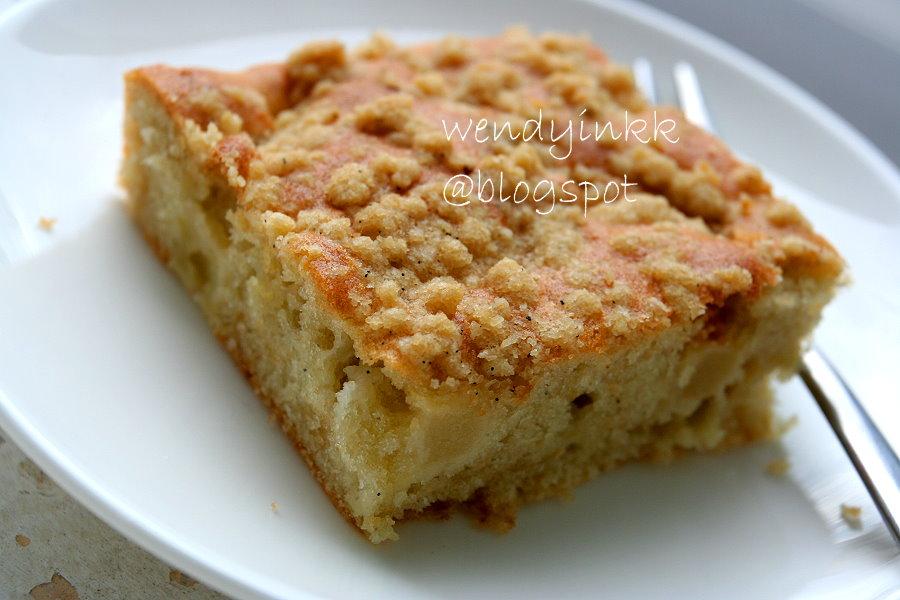 Easy Apple Crumb Cake