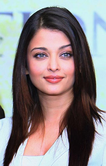 Aishwarya Rai Latest Hairstyles, Long Hairstyle 2011, Hairstyle 2011, New Long Hairstyle 2011, Celebrity Long Hairstyles 2092