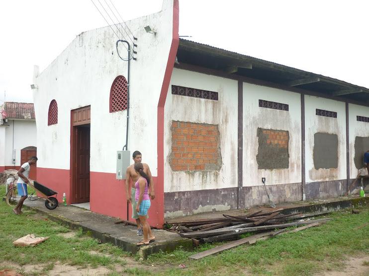 Agente de Leitura Raimunda Trindade fiscaliza reforma da NossaCasa no Carmo do Macacoari/AP