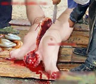 Pesta pemotongan dan makan wanita VIRGIN dan SEXY sahaja!! (18sx)  Masyarakat+Kanibal+Pemakan+Daging+Wanita+di+Cina1