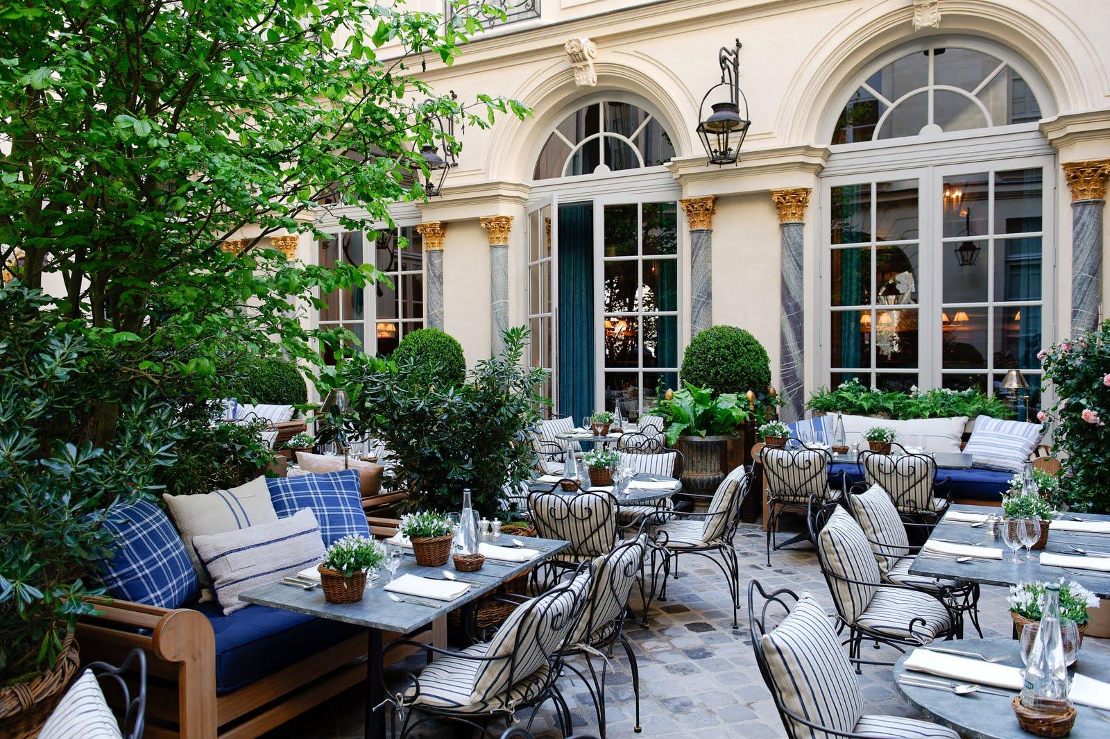 The paris report ralph s a design on dining for Restaurant avec jardin a paris