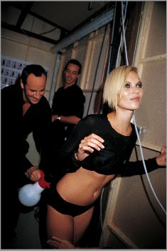 fashion blog kate moss tom ford backstage fashion gucci roxanne lowit