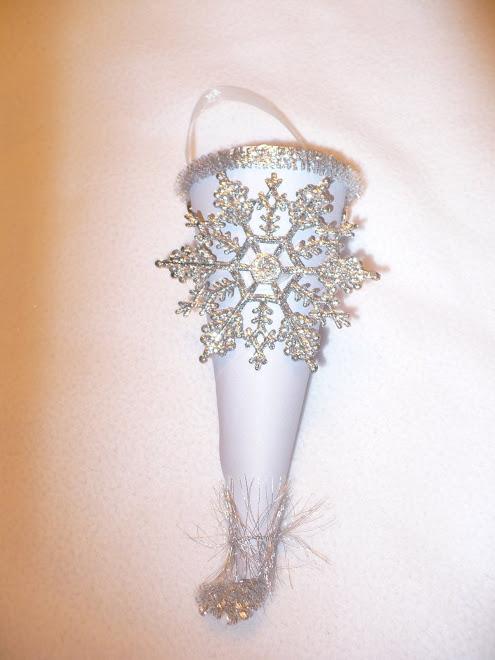 Vintage Snowflake Cone
