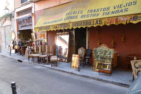 Notes from spain languages of word and hand or how to avoid or here is the store i went to where i found a dining room table that i thought we could use when our rented one turns into a pumpkin and rolls away solutioingenieria Image collections