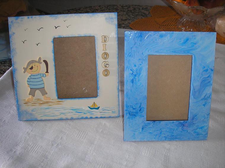 Moldura com pirata e outra azul