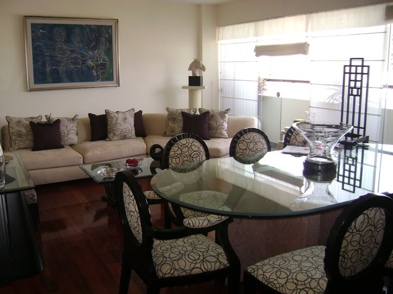 REALTY HOMES de Adriana Valdez