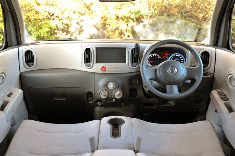 Nissan Cube Interior Pictures. 2009 Nissan Cube interior