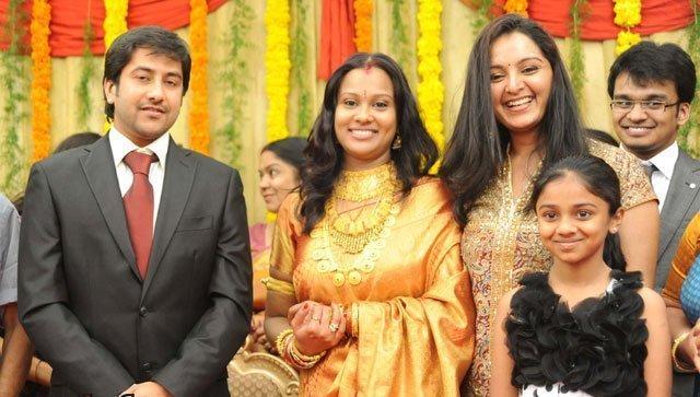 Malayalam Actress Seema Daughter Anu Shahi Marriage Picsdirector Ivsasi Wedding With Milan Nair Picture Gallerymanju Warrier At Seemas