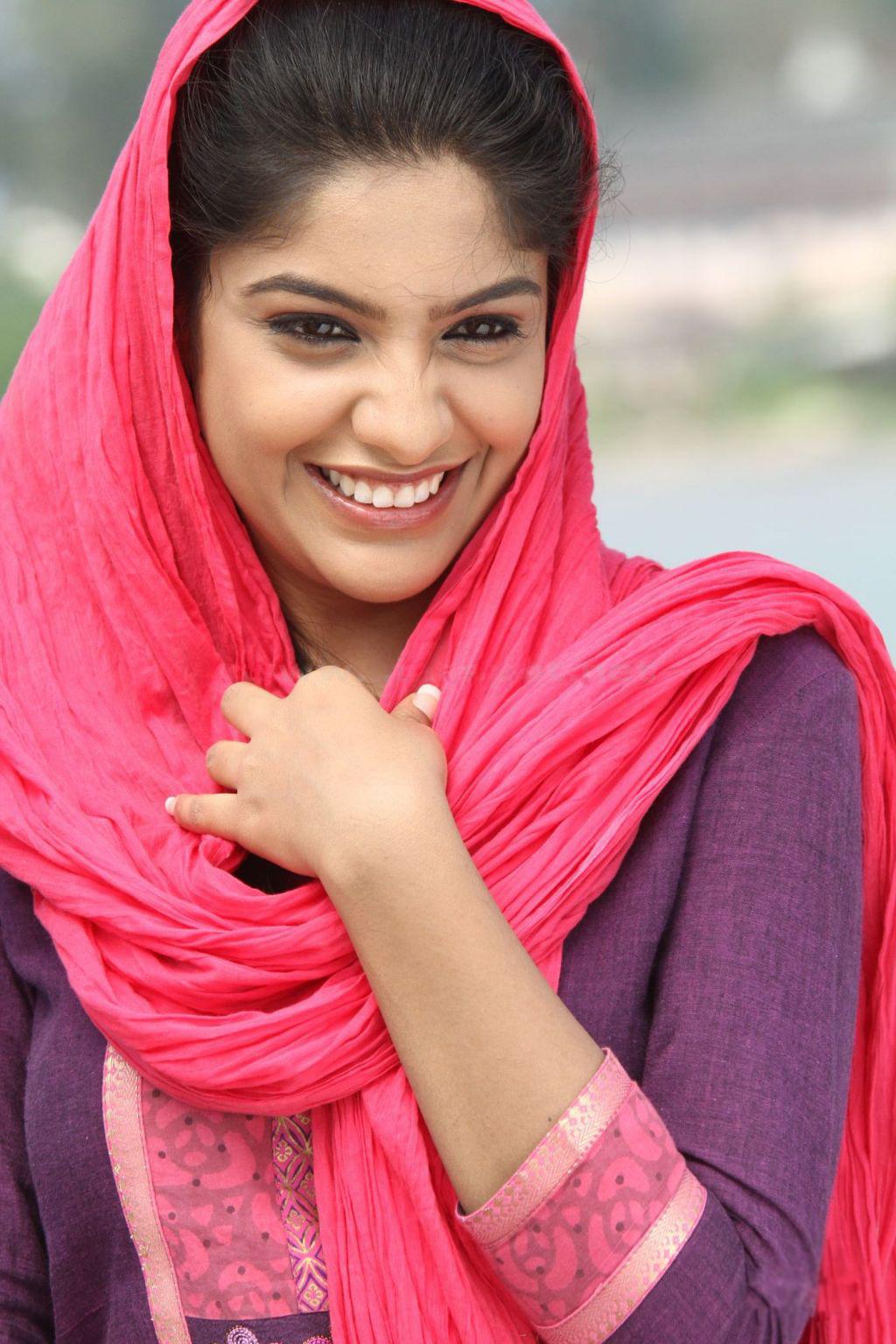 Archana Kavi Actress Archana Kavi Malayalam Actress Archana Kavi ...
