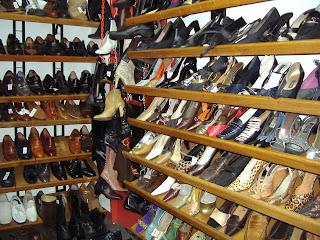 imagenes de zapatos rotos - Zapatos rotos, de Mónica Sánchez Hola